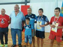 Два бронзови медала за златишките борци