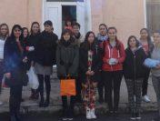 Ученици от ПГМЕ – Пирдоп посетиха дома за лица с увреждания