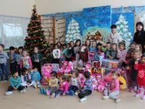 Десет детски градини с дарение от Елаците-Мед за Коледа