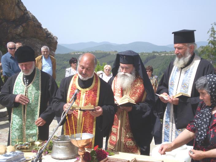 Тържествен водосвет на Св. Св. Константин и Елена
