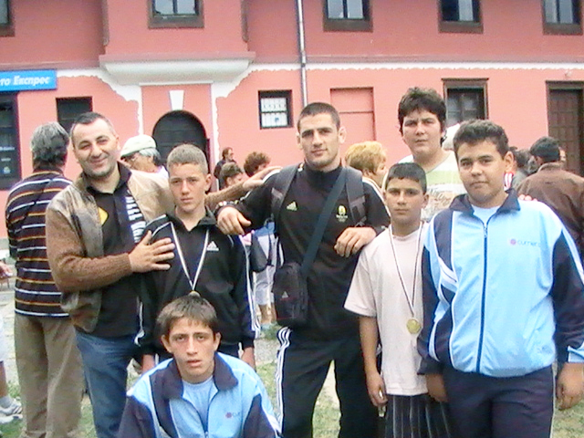 Младите борци от Златица – медалисти от турнира по борба в памет на Георги Райков