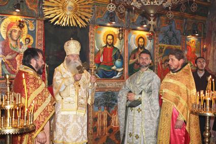 """Църквата""""Св. Николай Мириклийски Чудотворец"""" грейна с пълния си блясък"""