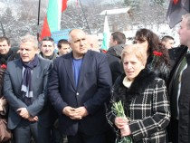 Министър-председателят на България Бойко Борисов почете паметта на загиналите на ж.п. гара Буново