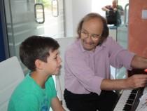 В Аурубис започна летен музикален курс по пиано и китара