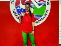 Диляна Минкина с нови спортни постижения и поставен национален рекорд на Балканиада в Истанбул