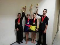 """Състезателите на """"Средногорие Данс"""" донесоха злато от конкурс в Скопие"""