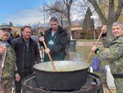 Ловджийска среща на мегдана в Чавдар