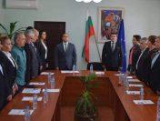 Кметът и общинските съветници от Чавдар дариха лични средства на МБАЛ-Пирдоп