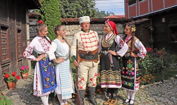 """ТВ """"Българе"""" снима предаване в Копривщица"""