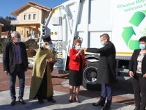 Нов камион за сметосъбиране за община Мирково