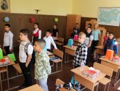 """ОУ """"Георги Бенковски"""" Мирково посрещна своите възпитаници с ново оборудване"""
